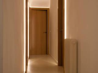 Bedroom by Lavolta, Modern
