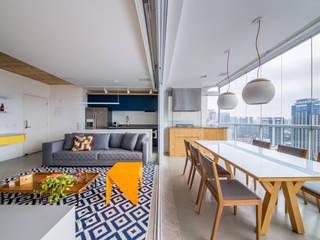 Ruang Keluarga oleh Casa100 Arquitetura, Modern