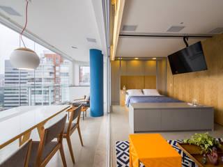 Salon de style de style Moderne par Casa100 Arquitetura
