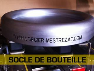 Pièces réalisés à la commande numérique LA MOULURE BORDELAISE Locaux commerciaux & Magasins Bois