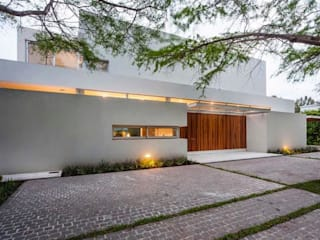 Casas modernas de Aulet & Yaregui Arquitectos Moderno