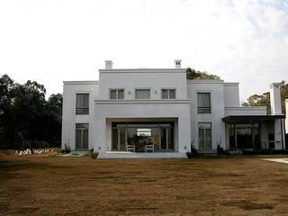 Modern home by Aulet & Yaregui Arquitectos Modern