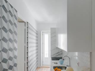 مطبخ تنفيذ Pedro Ferreira Architecture Studio Lda