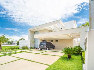 Rumah Modern Oleh Camila Castilho - Arquitetura e Interiores Modern