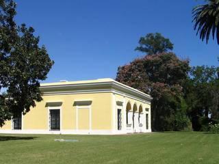 Koloniale Häuser von Aulet & Yaregui Arquitectos Kolonial