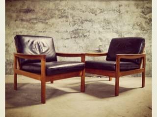 Pair of Easy Chairs by Illum Wikkelsø | Komfort:   por Retro Wood