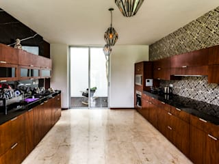 Cocinas de estilo moderno por P11 ARQUITECTOS