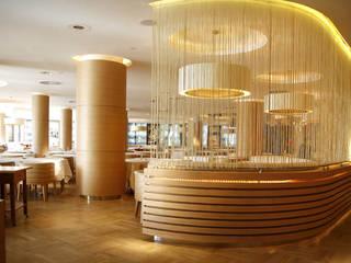 Paredes y pisos modernos de Ekrem Yigit-Işıkizi Görsel iletişim Moderno
