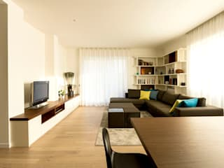 Living room by Galleria del Vento, Modern
