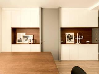 Appartamento Residenziale - Cernobbio 2015: Soggiorno in stile in stile Moderno di Galleria del Vento