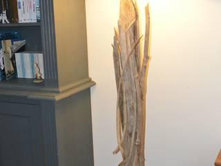 Lampadaire pour salon:  de style  par Déco nature, créations en bois flotté