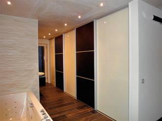 Badezimmer Nowoczesny korytarz, przedpokój i schody od creativ-moebelwerkstaetten.de Nowoczesny