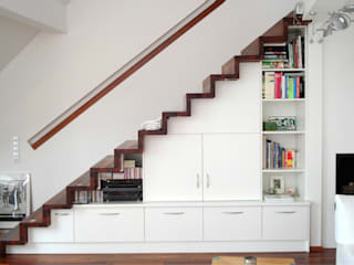 Badezimmer creativ-moebelwerkstaetten.de Couloir, entrée, escaliers modernes