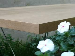 Mesa OAK by ducoinstudio:  de estilo  por Ducoinstudio Diseño de Mobiliario
