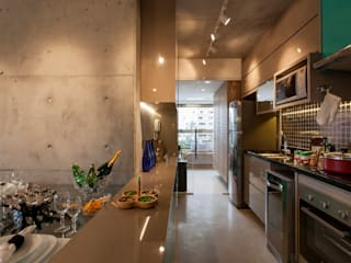 Modern style kitchen by RC ARQUITETURA Modern