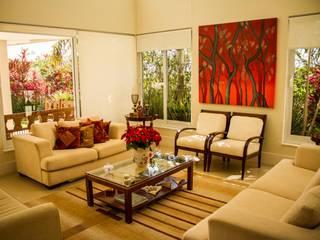 Residência Alphaville Campinas: Salas de estar  por RC ARQUITETURA