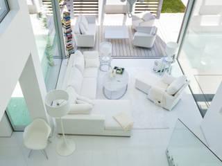 Phòng khách phong cách tối giản bởi JSH Algarve Arquitectura Lda Tối giản