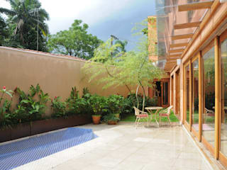 Houses by Martins Valente Arquitetura e Interiores,