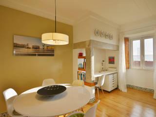 Uma casa antiga repleta de cor Architect Your Home Salas de jantar modernas
