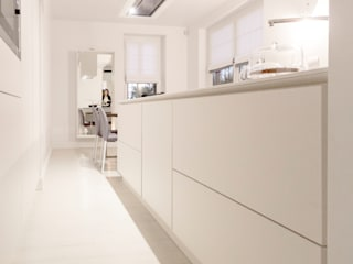 Modern style kitchen by Galleria del Vento Modern