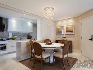غرفة السفرة تنفيذ Martins Valente Arquitetura e Interiores,