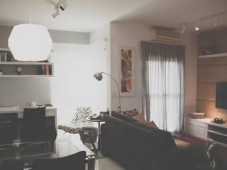 FLAT JARDINS: Salas de estar  por RC ARQUITETURA