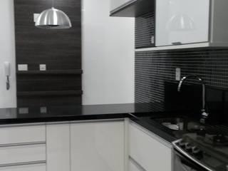 Apartamento Ilha Cozinhas modernas por L N arquitetos Moderno