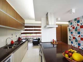 Modern style kitchen by Arquitetura 1 Modern