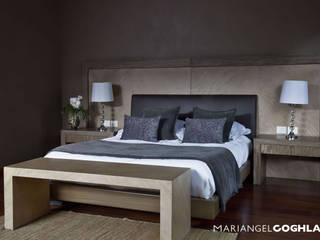 Recámara principal Dormitorios modernos de MARIANGEL COGHLAN Moderno
