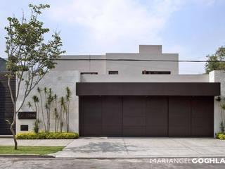 Rumah Modern Oleh MARIANGEL COGHLAN Modern