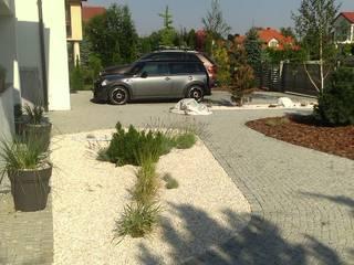 Projekt ogrodu nowoczesnego Nowoczesny ogród od BioArt Ogrody, Architektura Krajobrazu Nowoczesny