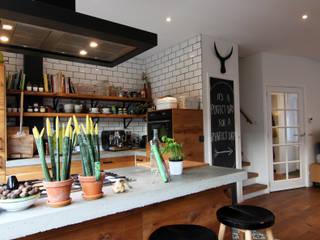 Moderne Küchen von Diego Alonso designs Modern
