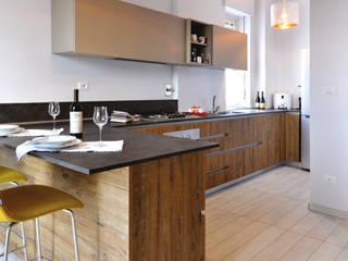 Ristrutturazione SG: Cucina in stile in stile Moderno di arCMdesign - Architetto Michela Colaone