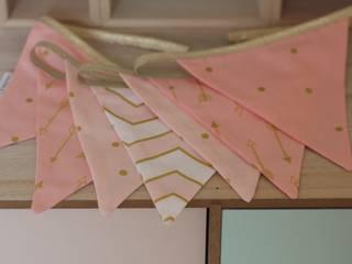 Grande Guirlande Fanions, Collection Pink & Gold:  de style  par Timothé & Toi