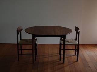 ダイニングテーブルとチェアー①: bungalowが手掛けたです。,