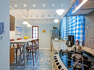 Rustic style kitchen by Studio Boscardin.Corsi Arquitetura Rustic
