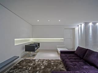 Salon de style  par Studio Boscardin.Corsi Arquitetura, Minimaliste