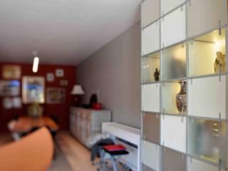 Recomposition d'un living: Salon de style  par Marie.A Design