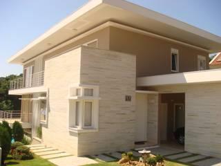 RESIDENCIA UNIFAMILIAR EM CASCAVEL PARANÁ Casas modernas por LUIZE ANDREAZZA BUSSI INTERIORES+ CORPORATIVO Moderno
