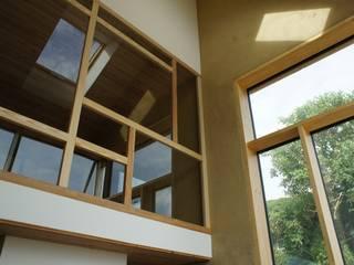 Maison passive en paille à Sombreffe Salle à manger moderne par Bureau d'Architectes Desmedt Purnelle Moderne