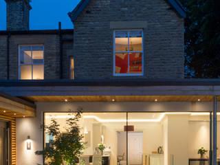 Raby Park, West Yorkshire Casas estilo moderno: ideas, arquitectura e imágenes de Wildblood Macdonald Moderno