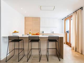 Moderne keukens van ISLABAU constructora Modern