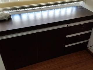 Mobilario Tv y Almacenamiento:  de estilo  por Proyectar Diseño Interior
