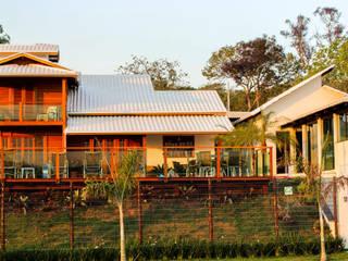 de CASA & CAMPO - Casas pré-fabricadas em madeiras Rústico