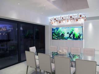 Contemporary Family Home モダンデザインの ダイニング の Aquarium Architecture モダン