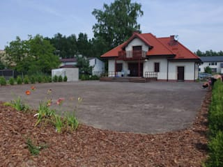 Założenie trawnika z siewu w ogrodzie koło Świdnika od BioArt Ogrody, Architektura Krajobrazu