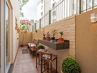 Patrícia Azoni Arquitetura + Arte & Design Balcone, Veranda & Terrazza in stile tropicale