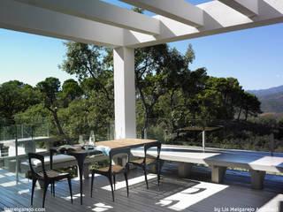 Modern Balkon, Veranda & Teras Lis Melgarejo Arquitectura Modern