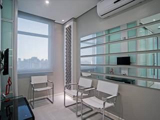 Clínicas de estilo moderno de Patrícia Azoni Arquitetura + Arte & Design Moderno
