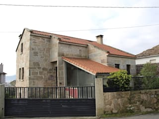 모던스타일 주택 by Construcciones y Reformas San Cibran, s.l. 모던